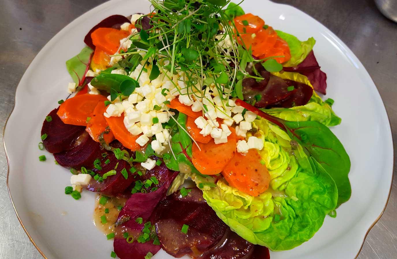 rote bete salat mit m hren und minze deli gesund kochen gesund leben try it. Black Bedroom Furniture Sets. Home Design Ideas