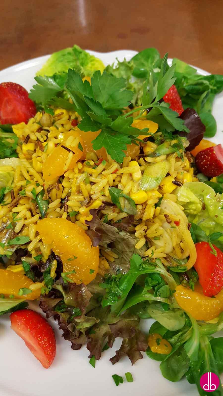 rezept curry reis salat mit gem se und mandarinen orangen deli gesund kochen. Black Bedroom Furniture Sets. Home Design Ideas