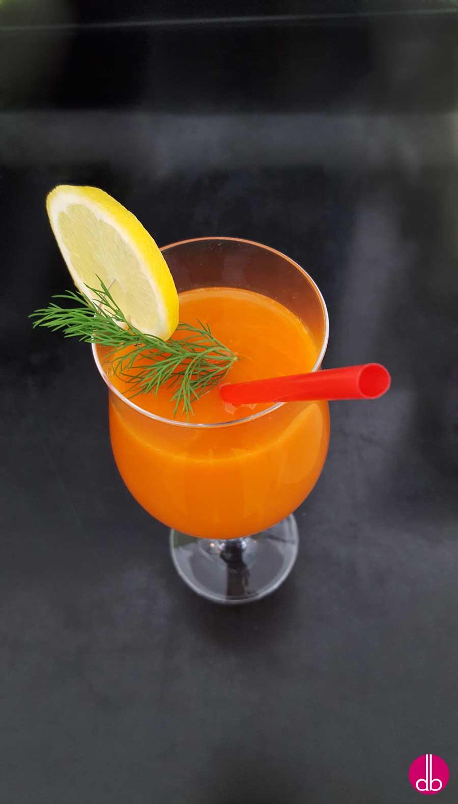 rezept f r selbstgemachten karotten pfirsich cocktail ohne alkohol deli gesund. Black Bedroom Furniture Sets. Home Design Ideas