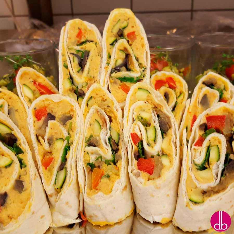 rezept veggie wrap mit kichererbsen p ree gebratenem gem se deli gesund kochen. Black Bedroom Furniture Sets. Home Design Ideas