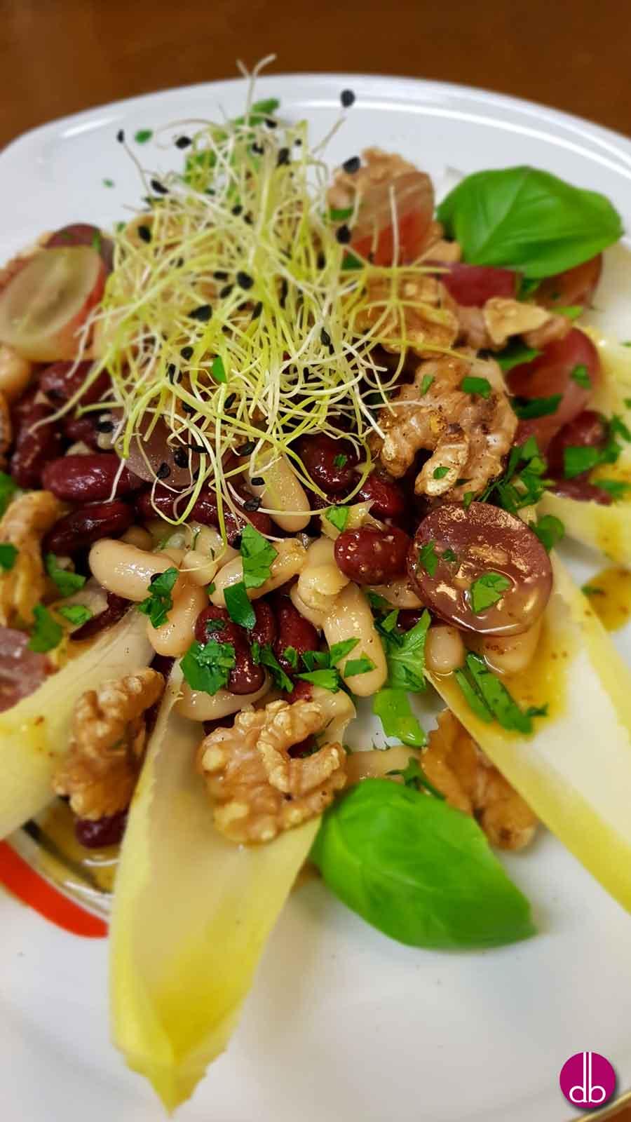 Rezept: Bohnen-Trauben-Salat mit Walnuss