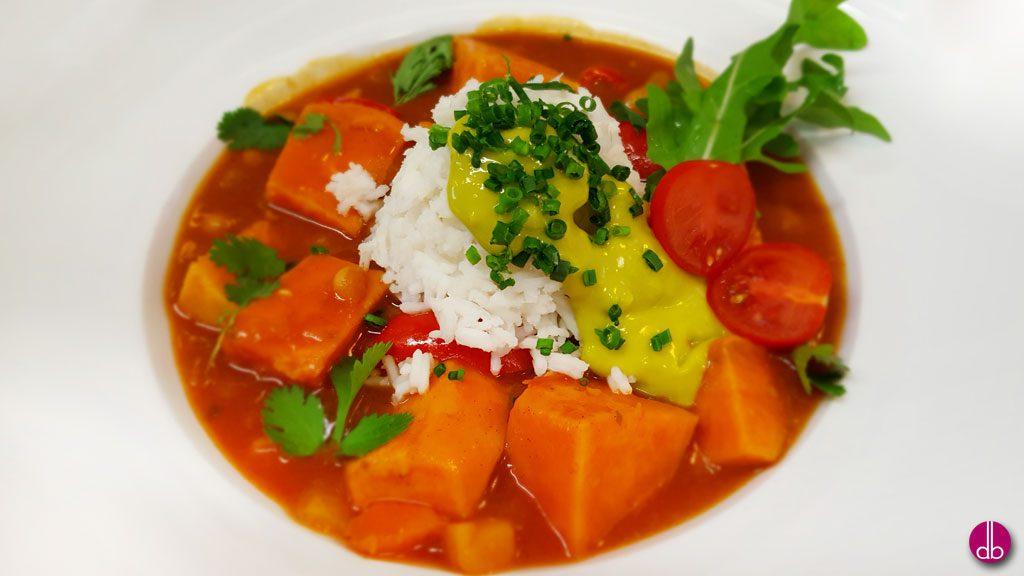 Rezept: vegan Süßkartoffel-Chili mit Cannellini