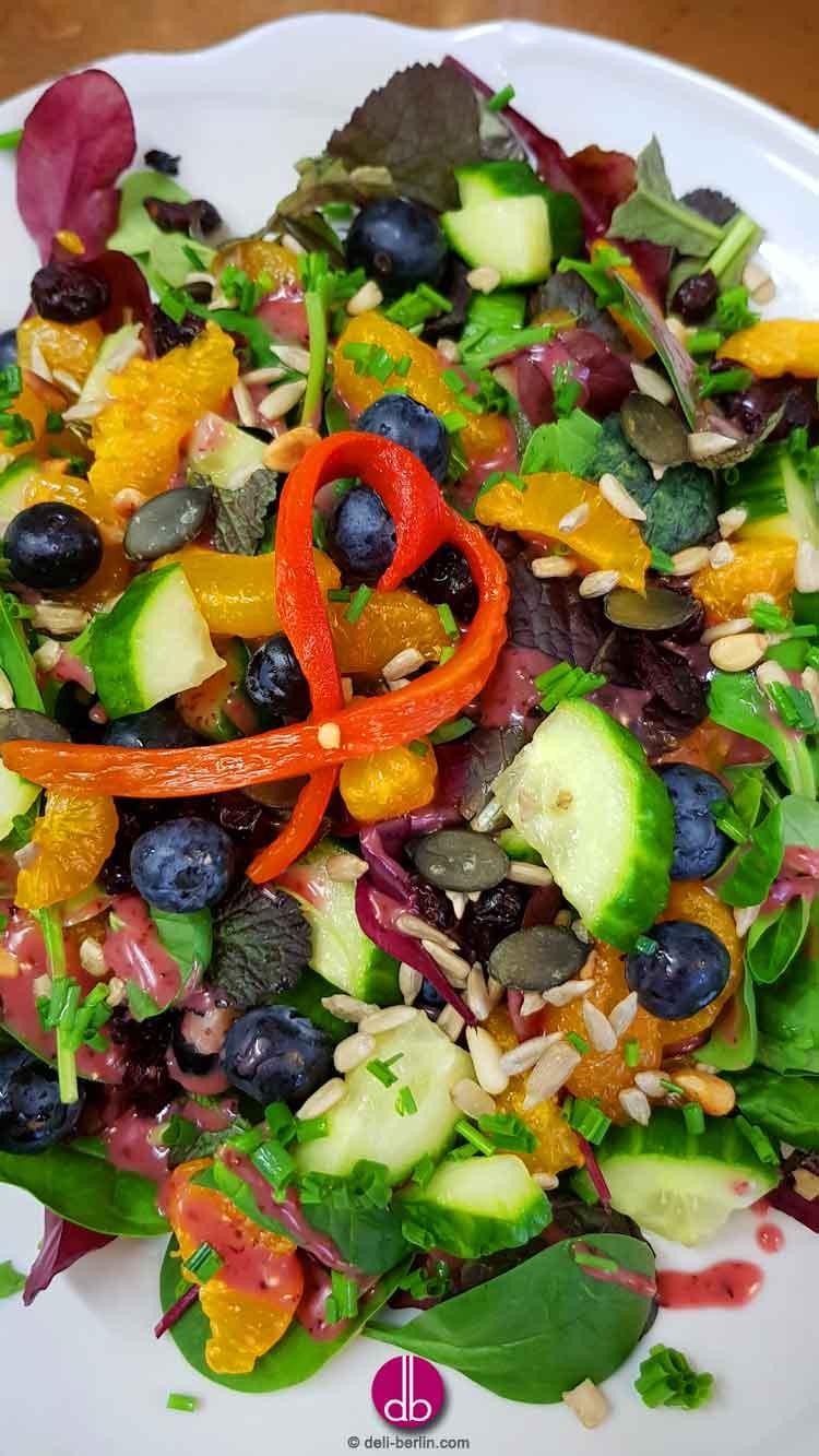 Cranberry-Blaubeer-Fruehlingssalat