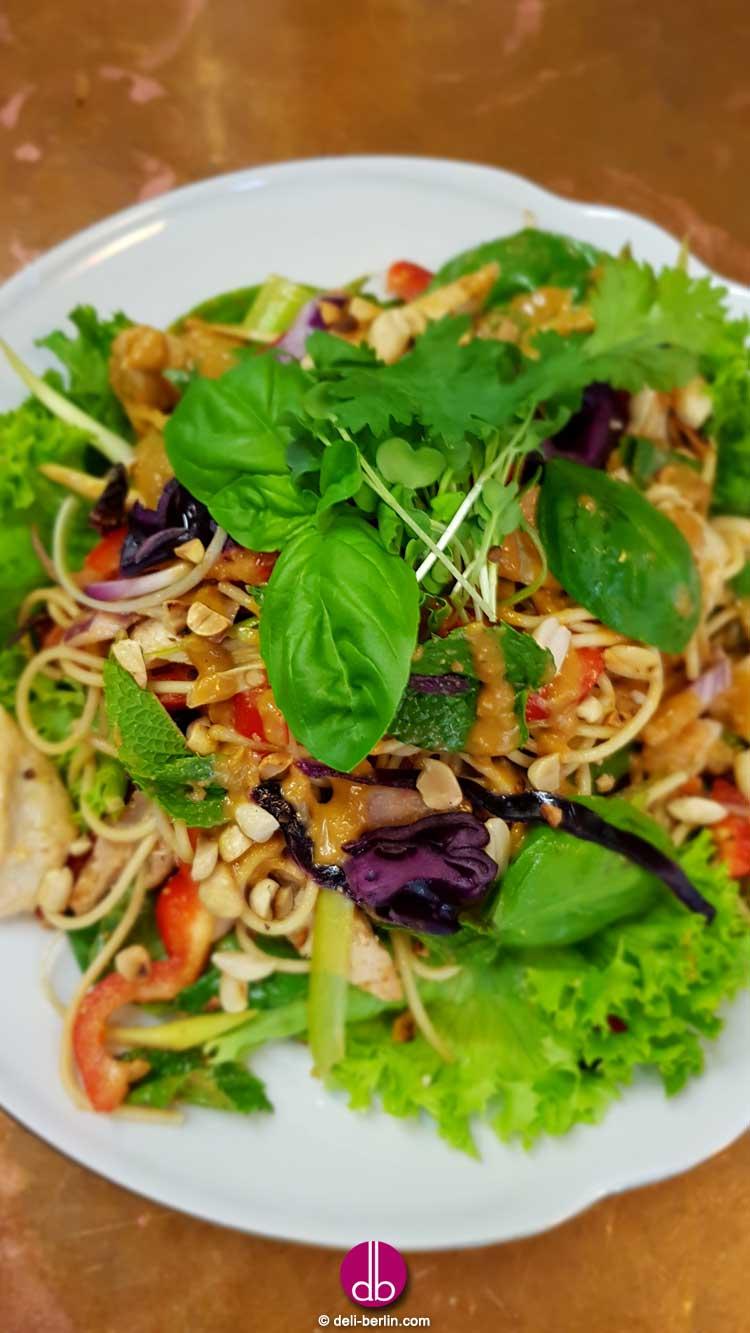 Thai Regenbogen Salat