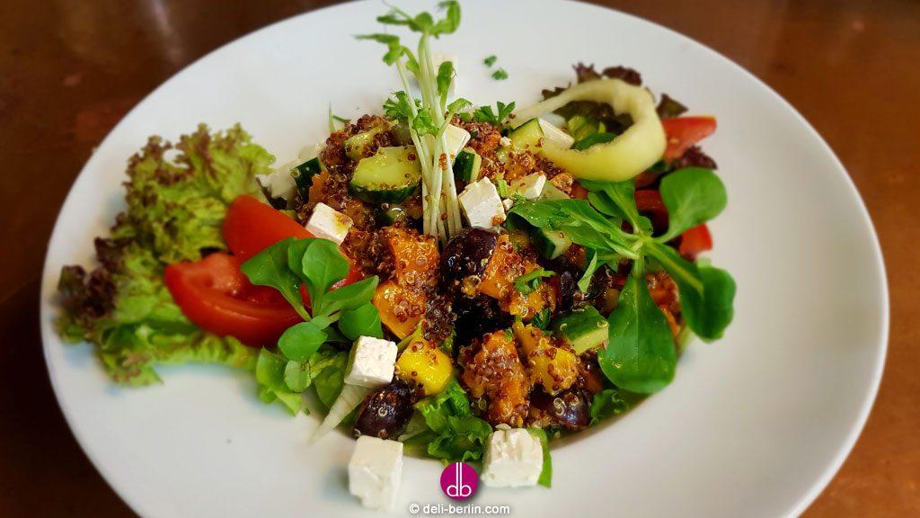 fruchtiger Quinoa-Süßkartoffel-Salat