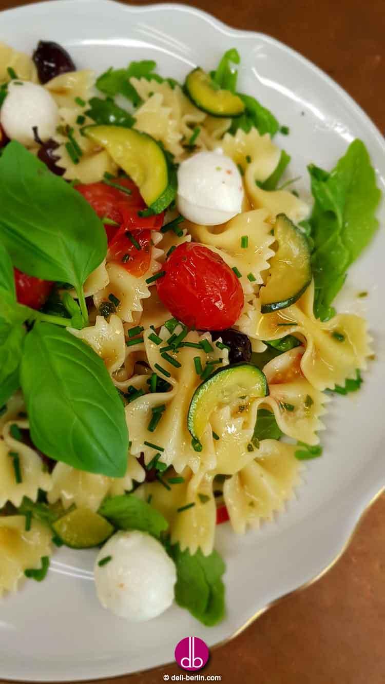 Insalata di pasta mediterranea - vegetarisch
