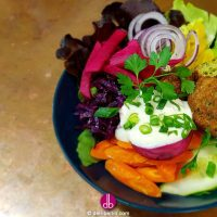 good life bowl mit falafel