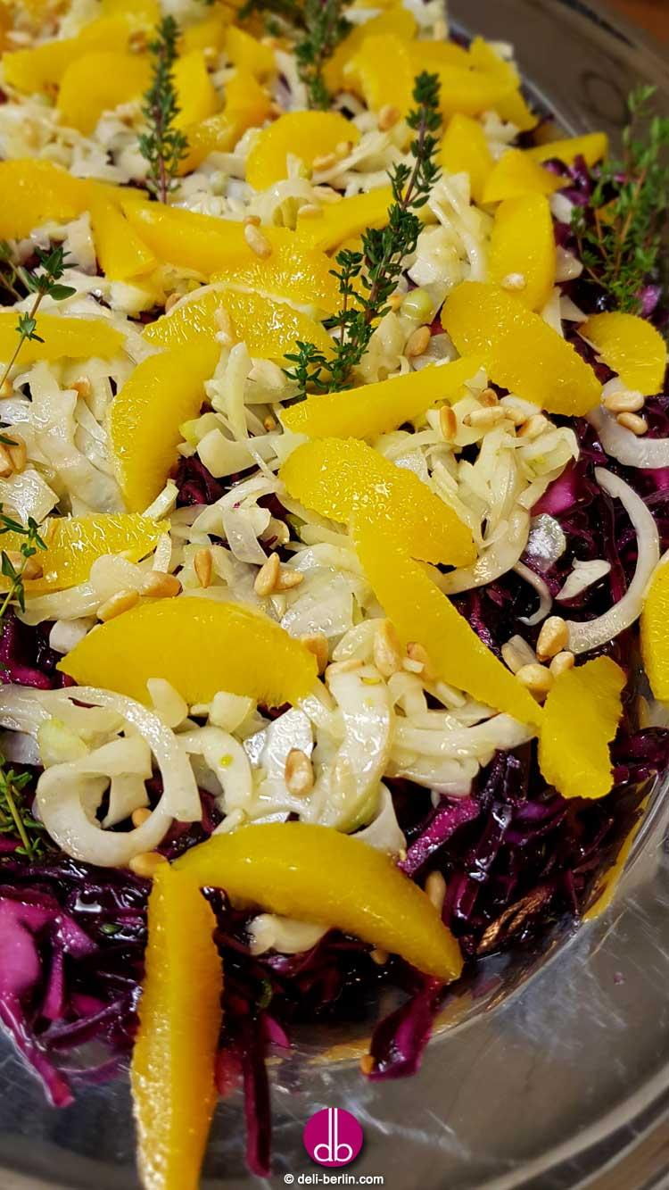 Knackig-fruchtiger Fenchel-Rotkraut-Salat mit Orange