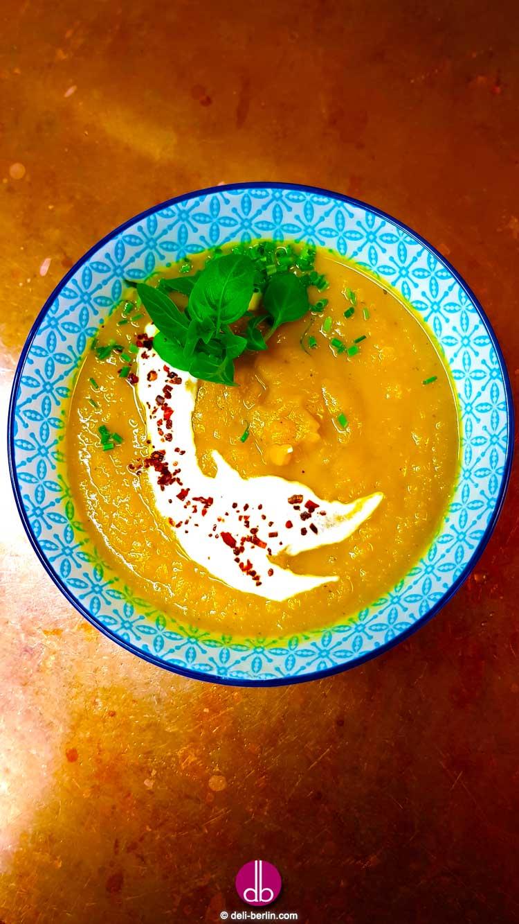 Steckrüben-Orangen-Suppe -vegan