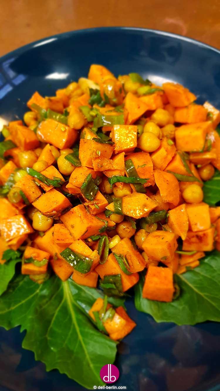 herzhafter marokkanischer Süßkartoffelsalat - vegan