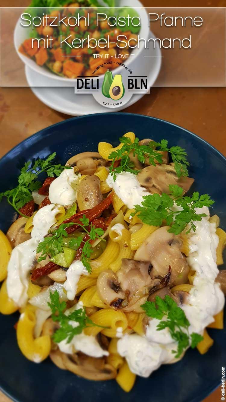 Rezept: Pasta-Pfanne mit Spitzkohl und Pilzen
