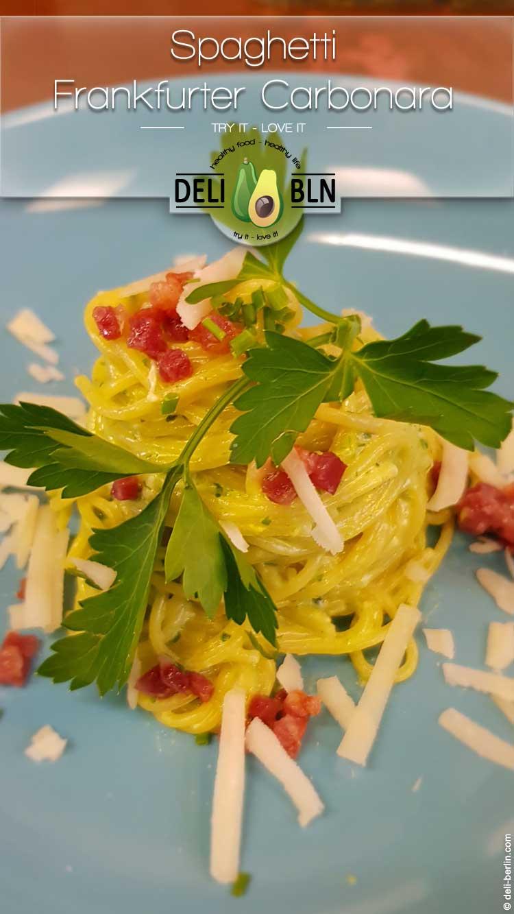 Spaghetti Frankfurter Carbonara - kräuter-grüne Alternative zum italienischen Klassiker