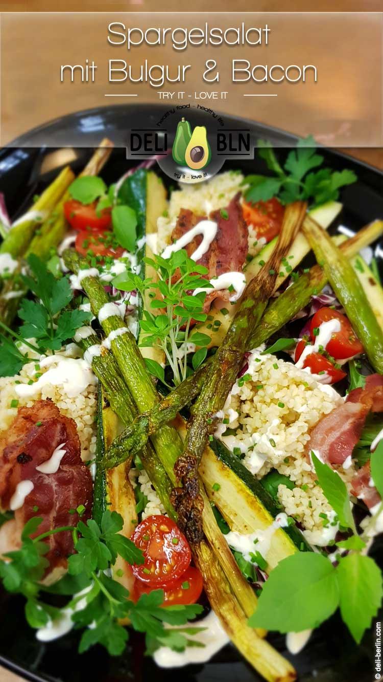 Spargelsalat mit Zucchini, Bulgur und Bacon