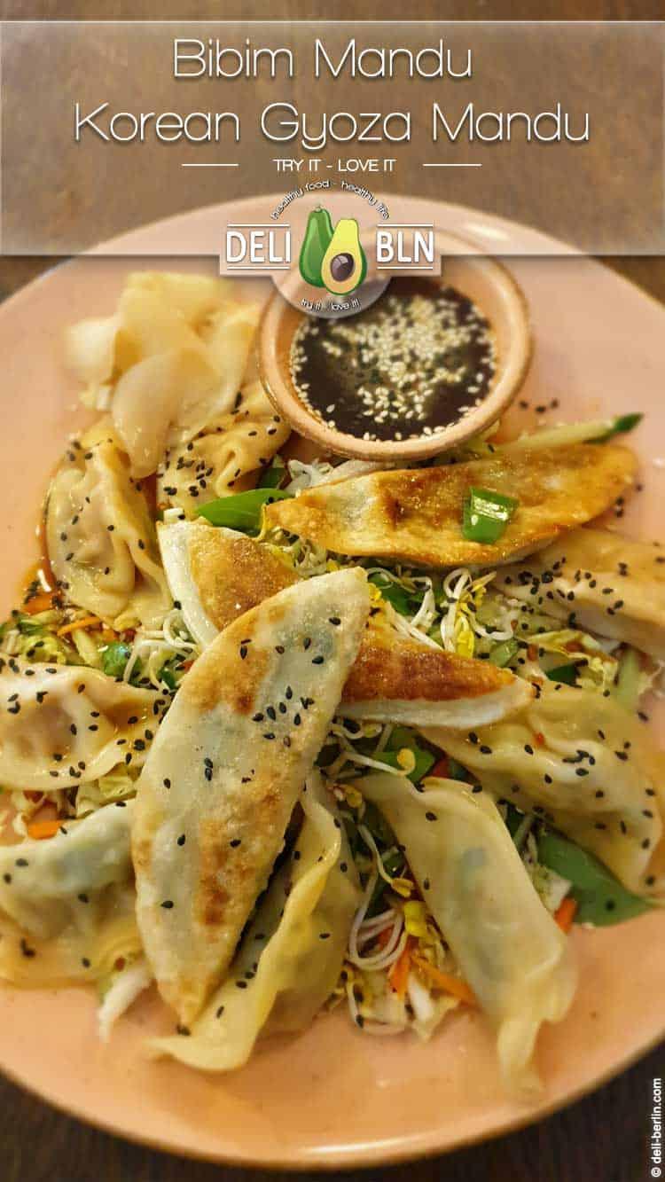 Bibim Mandu – Koreanische Teigtaschen auf Salat