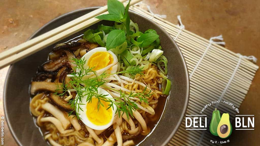 Rezept: Gebratene Pilze mit würzigen Miso Ramen mit Shiitake-Pilzen