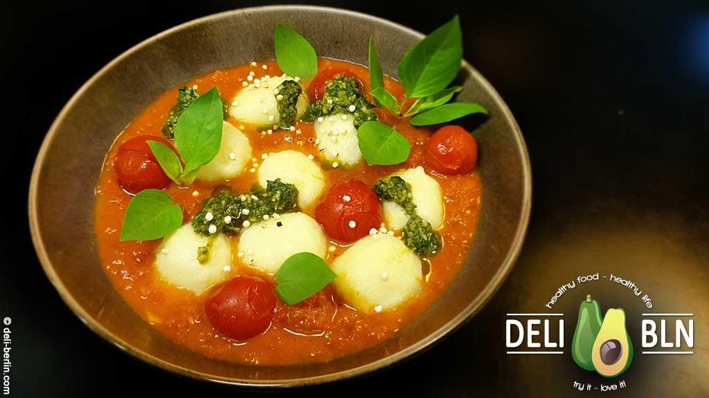 Rezept: Kartoffel-Gnocchi mit Tomatensauce und Büffelmozzarella
