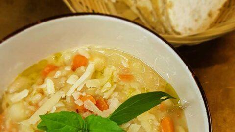 Toskanische weiße Bohnensuppe