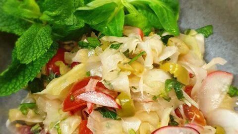 Rezept: Einfacher Fenchel-Radieschen-Beilagensalat - vegan