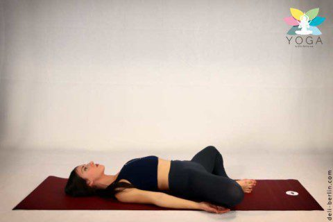 """Liegender Schmetterling Pose"" Reclined Goddess Pose (Supta Baddha Konasana)"