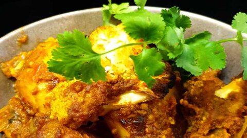 indisches Aloo Gobi - ayurvedisches Kartoffel-Blumenkohl-Curry