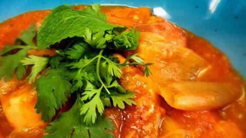 indisches Hühnchen-Curry mit Schalotten - Murgh do Pyaza