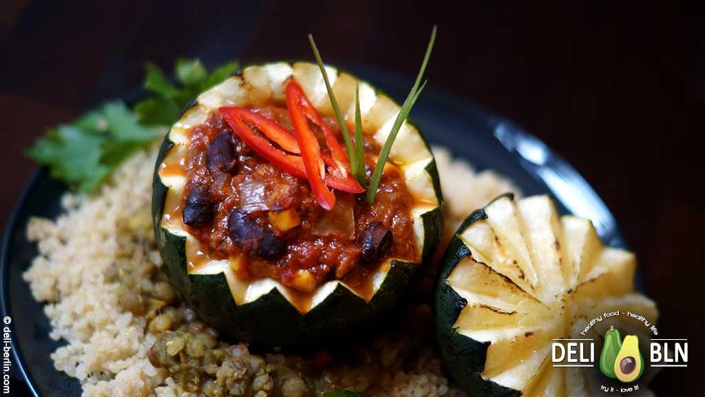 Soja-TexMex gefüllte Rondini - vegan gefüllter Minikürbis