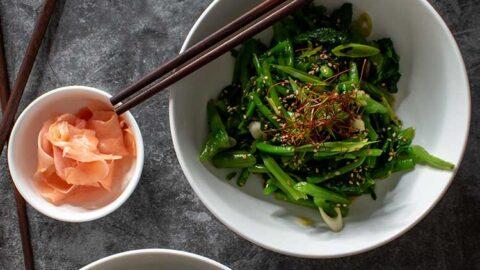 Koreanischer Spinatsalat - Sigeumchi-namul 시금치 나물