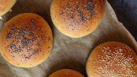 vegane Dinkel-Burger-Brötchen selber backen